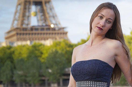 Paris 2-Hour Eiffel Tower Walking Tour with Professional Photo Shoot