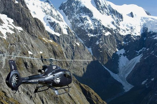 Milford Sound e Glaciers Helicopter