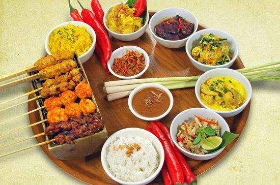 Balinese Rijsttafel Dinner at Warung ...