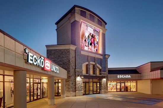 Shop and Dine Fashion Outlets Niagara...