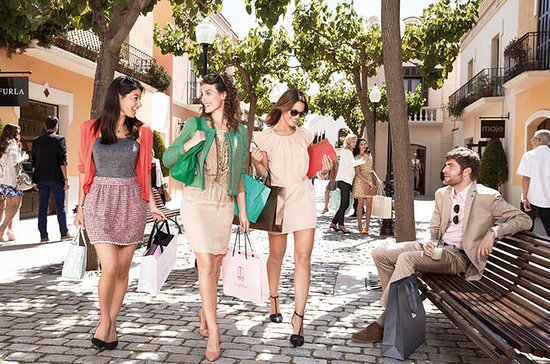 La Roca Village Shopping Private Tour...