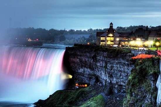 Niagra Falls Night Tour with 3-Course Dinner and Cruise