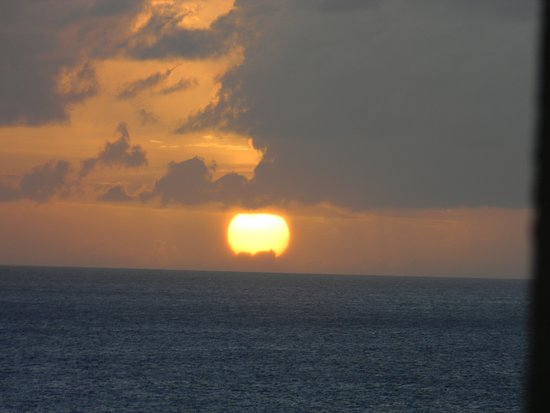 Cupecoy Bay, St. Maarten-St. Martin: the prettiest sunset in the world