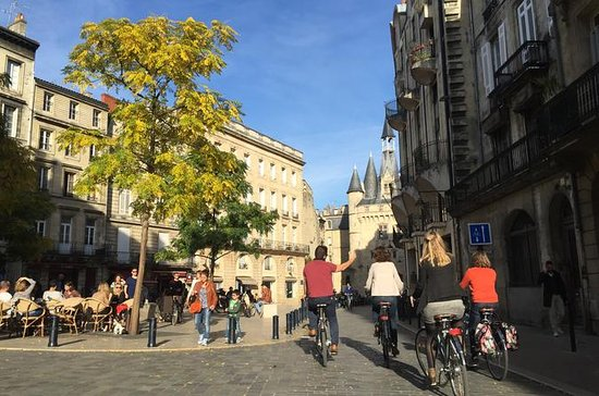 Small-Group Bike City Tour Bordeaux