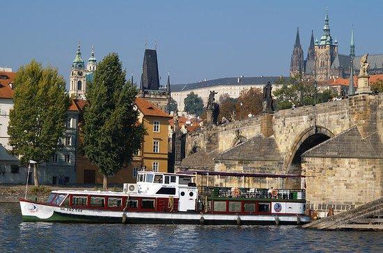 Crucero por el río Vltava de 1 hora en Praga
