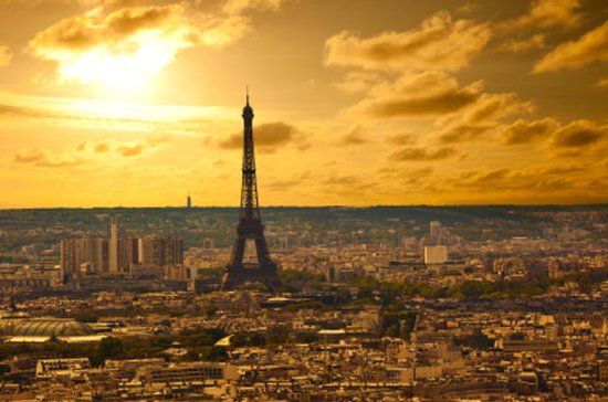 Skip the Line: Small-Group Eiffel...