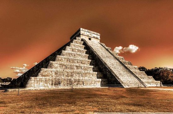 Chichen Itza Private Full-Day...