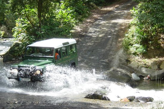 Excursion en jeep à Furnas au départ...