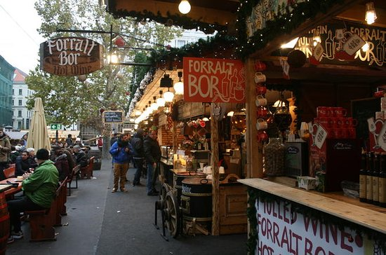 Christmas Market and Food Tour in