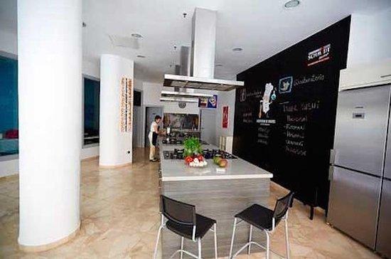Clase de cocina con paella en Málaga