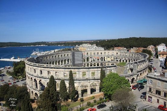 Tour a pie de Pula