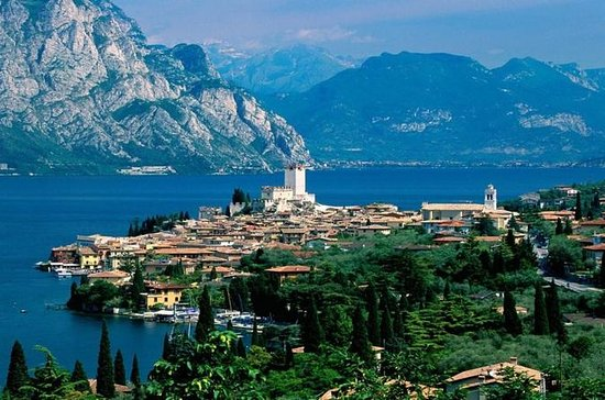 Private Tour: Lake Garda with...