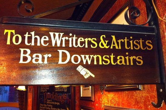 Literary Pub Crawl and Tavern Tour in...
