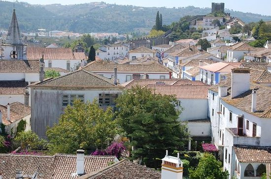 Private Tour: Óbidos and Nazaré with...