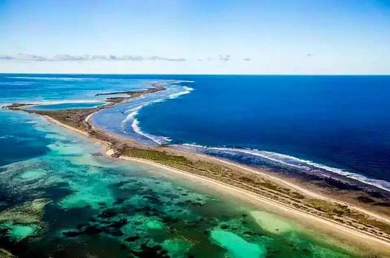 Romantic Abrolhos Islands Private Air ...