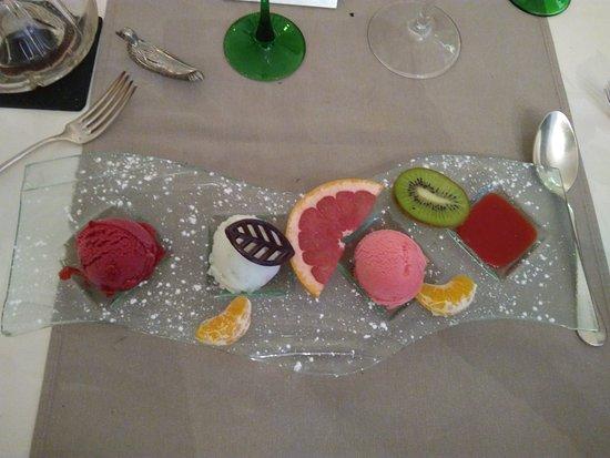 Hagetmau, Francia: palette de sorbets, pamplemousse, citron vert, cerise