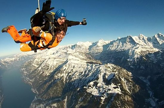 Helikopter Skydive i Interlaken