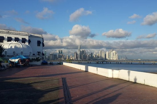 Panama City's Top Tour with Casco Antiguo, Amador Causeway