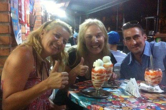 メデジン市、市場と地元の食糧ツアー