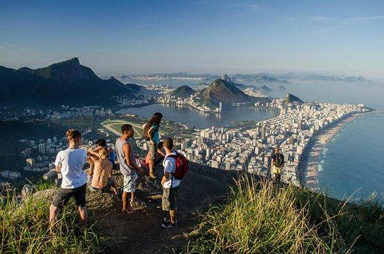 Vidigal FavelaからのDois Irmaosハイキングツアー