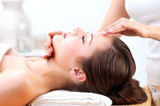 Customized Organic Facial Treatment