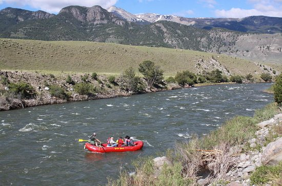 Yellowstone River Scenic Rafting...