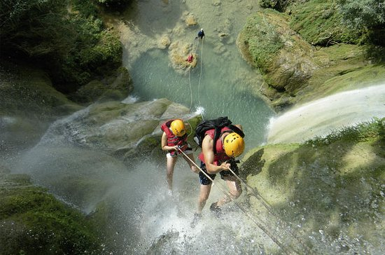 Day Tour: Descenso de barrancos en...
