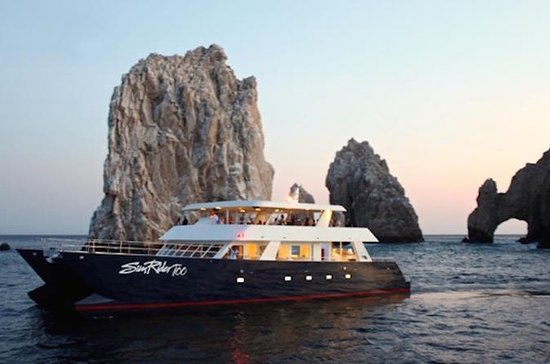 Sunset Dinner Cruise in Cabo San Lucas