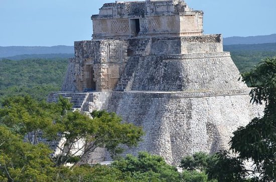 Private Tour to Uxmal with a...