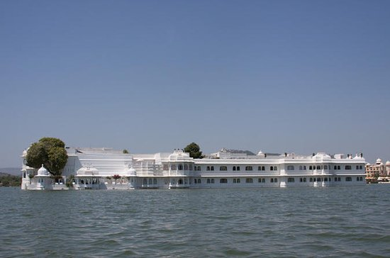Full-Day Private City Tour of Udaipur