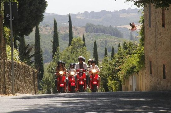 Full-Day Chianti Tour by Vespa...