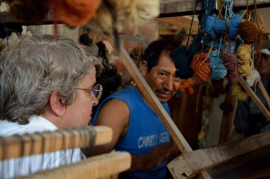 Pachacamac Tour with Local Artisans...