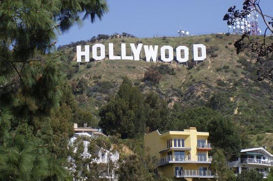 Hollywood Homes of the Rich and...