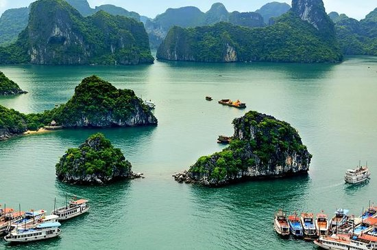 5-Day Tour of Hanoi Including Halong...