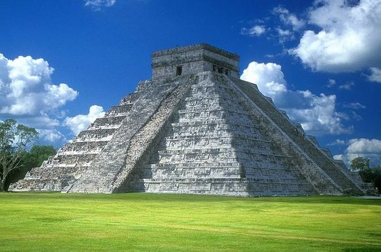 Chichen Itza Day Trip with Cenote and