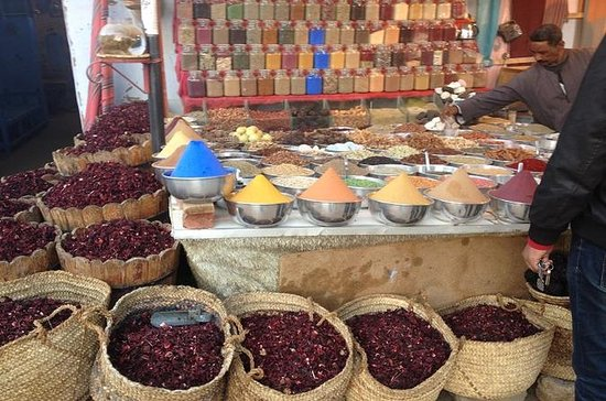Souvenir Shopping in Luxor
