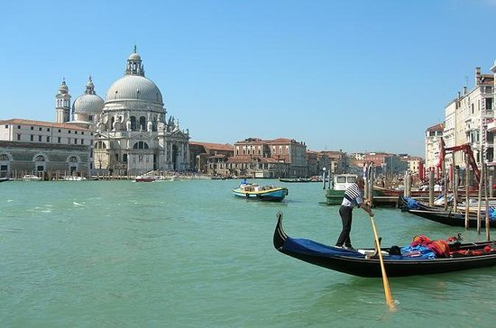 Small-Group Tour: Venice by Train Full...