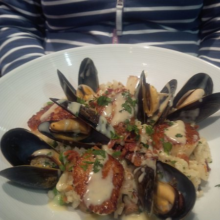 The American Grille: Risotto with mussels and scallops