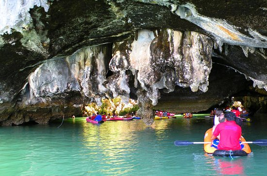Hong by Starlight: Sea Cave Kayaking ...