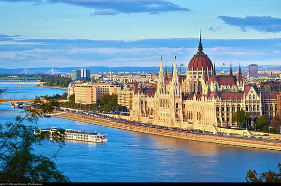 Budapest Private Tour with Transport...
