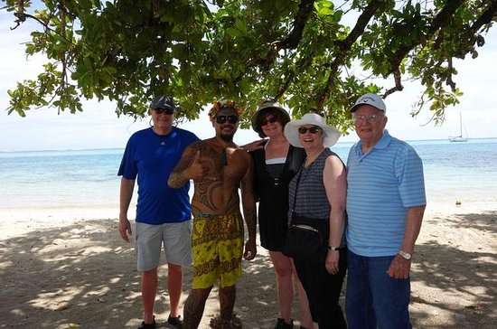 Moorea Small-Group Cultural Tour with...