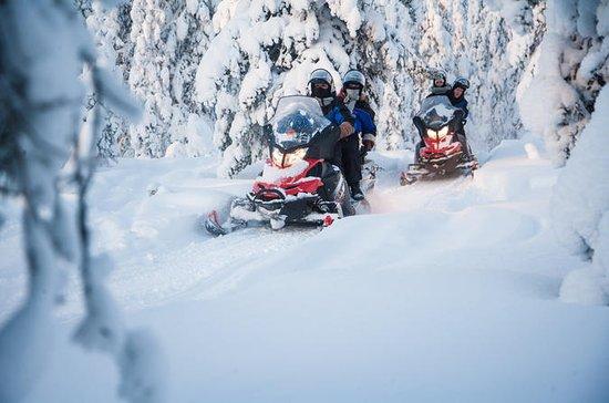 Meerdaagse sneeuwscootersafari naar ...