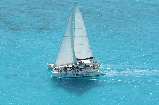 Private Sailing Tour to Isla Mujeres