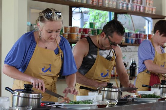 Private Half-Day Thai Cooking Class