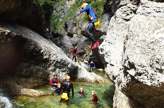 Canyoning Adventure dans le...