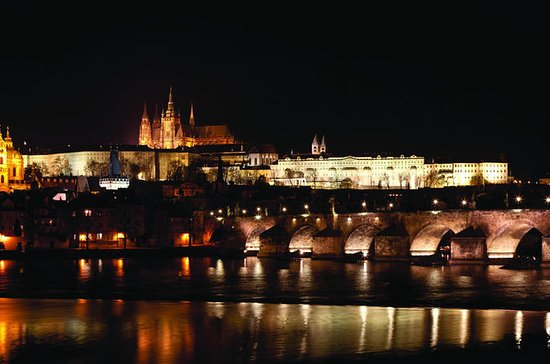 2-hour Night Dinner Cruise on Vltava ...