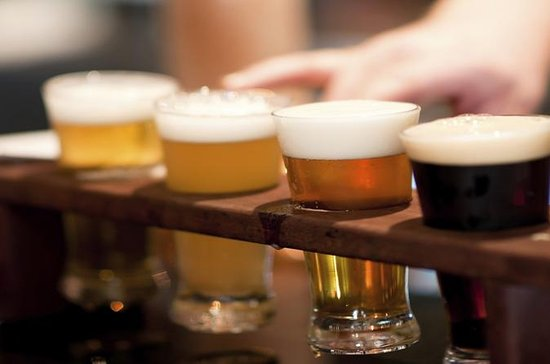 Boston Guided Brewery Tour with Tastings, plus Lunch or Dinner