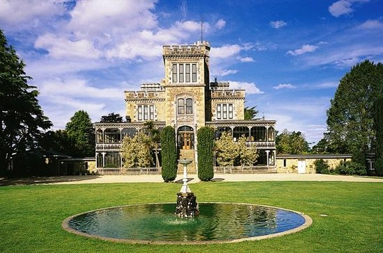 Dunedin City Tour, Larnach Castle...