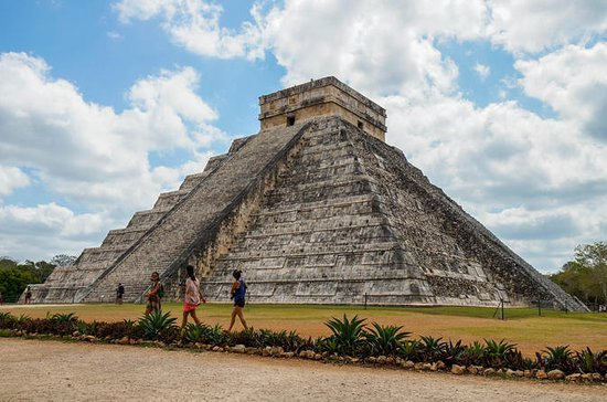 Chichen Itza and Zaci Cenote Private...
