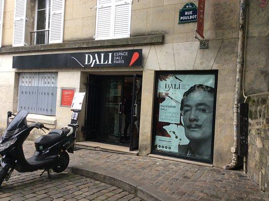 Photo Tours In Paris: Магазин и музей Дали